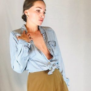 Chambray Button-down Long-sleeved Shirt